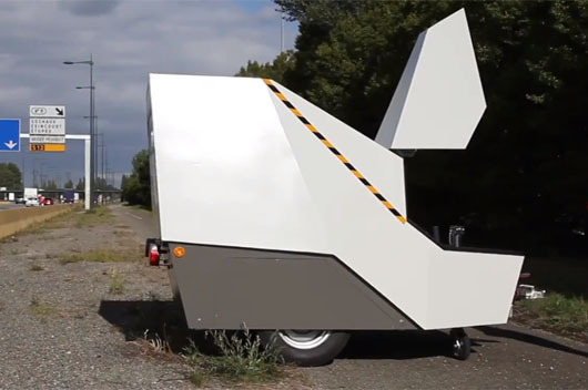 la cabine du radar autonome chantier. Black Bedroom Furniture Sets. Home Design Ideas
